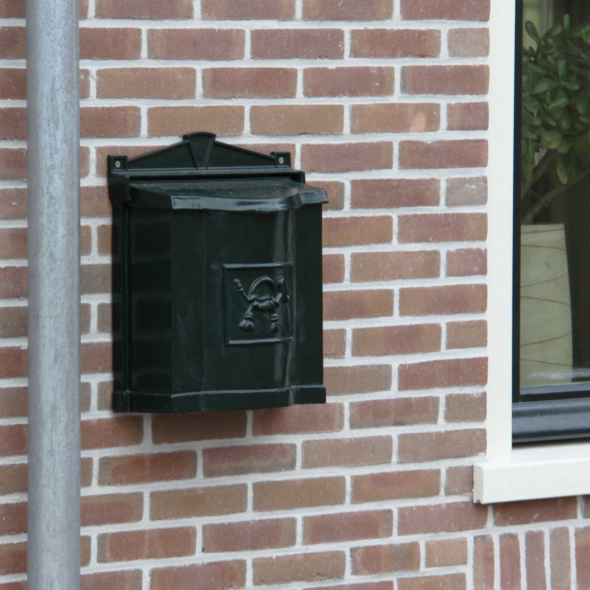 Post box B21