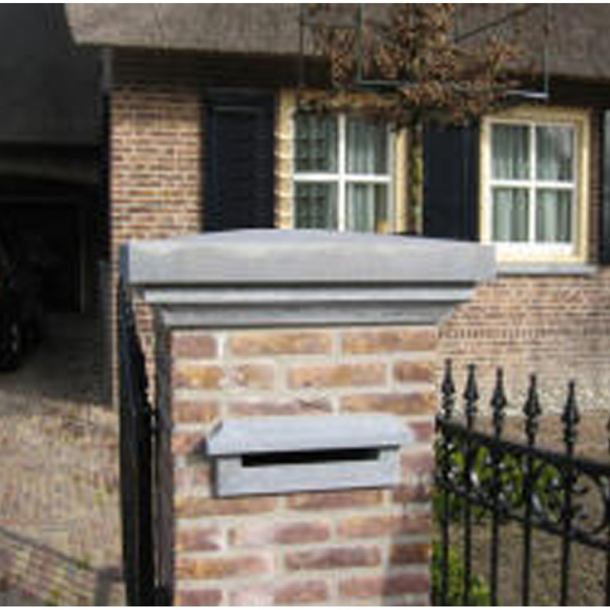 Blue stone recessed post box